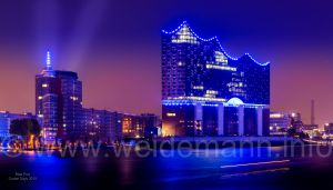 Elbphilharmonie Blue Port Cruise Days 2015.jpg